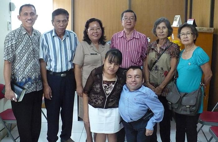 Чичо Ачо е вторият отляво надясно